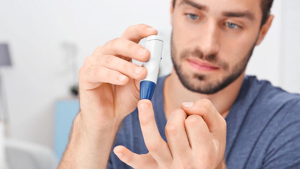 Diabetes - Diabetes Typ 2 ist eine der meist unterschätzten Krankheiten der westlichen Welt. In Österreich gibt es rund 800.000 Personen, die an der Insulin-Insuffizienz erkrankt sind. - © Shutterstock