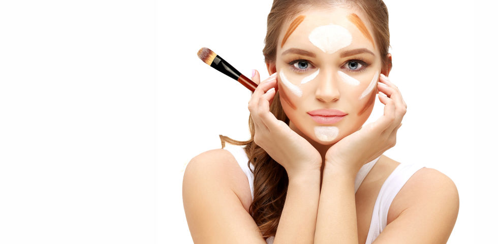 Kosmetik Contouring - © Shutterstock
