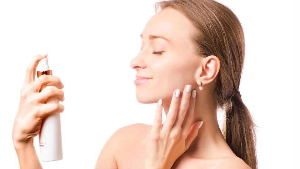 Thermalwasser Spray Kosmetik - Thermalwasser beruhigt die Haut. - © Shutterstock